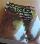 Exemplaire d'occasion - Food and Drink in Antiquity. Readings from the Graeco-Roman World, A Sourcebook, 2014, 312 p.